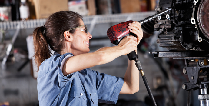 Where are the Women in manufacturing BLOG IMAGE